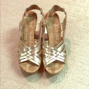 Super comfy gold Juicy Couture wedges